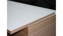 Meranti / Okoume multiplex deuren 40mm